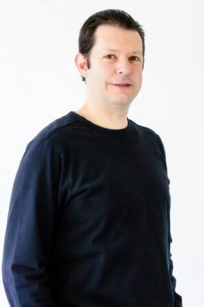 Alejandro Marroquín - Consultor en Dirección de Producto y Fundador de Avantia.
